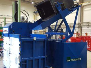 balíkovací lis L30-2 s vyklápěcím zařízením