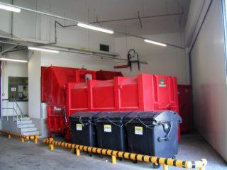 Sestava pro nakládání s odpady