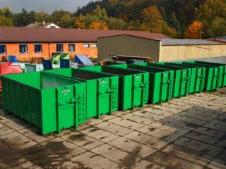 kontejnery na sběrném dvoře