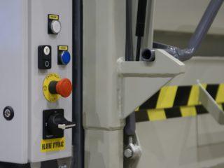 balíkovací lis L30-1 ovládání