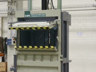 balíkovací lis L30-1 komora