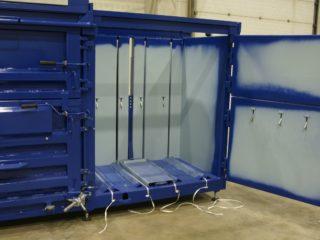 balíkovací lis L30-2 otevřený
