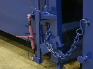 Řetězové zajištění proti otevření vrat kontejneru