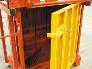 balíkovací lis L5-1 otevřený