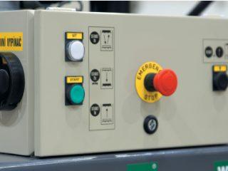balíkovací lis L5-V hlavní vypínač