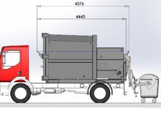 lisovací kontejner připojen na hydrauliku auta, plněn pomocí integrovaného vyklápěcího zařízení