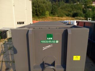 Přípojný kontejner s vyklápěcí střechou